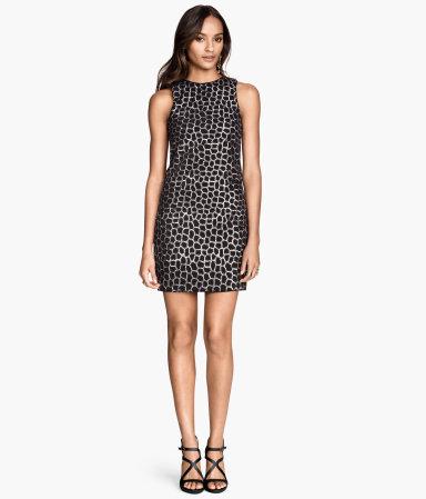 H&M sukienka z cekinowanym haftem 229,00